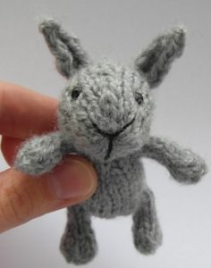 Little Baby Bunny - free knitting pattern